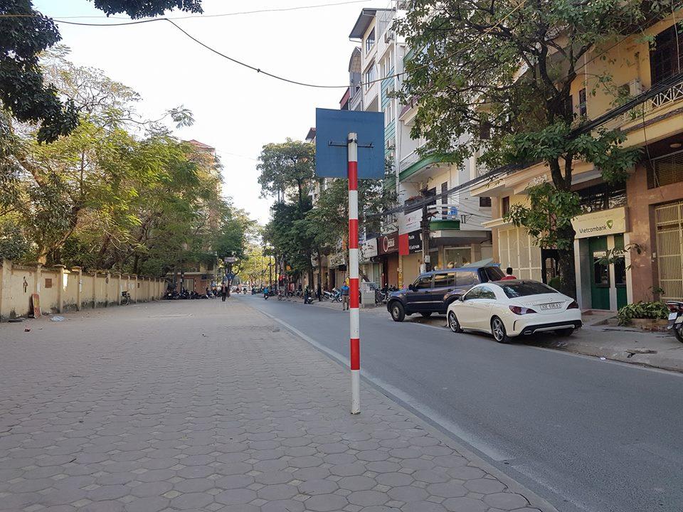 Bán nhà mặt phố Vũ Ngọc Phan